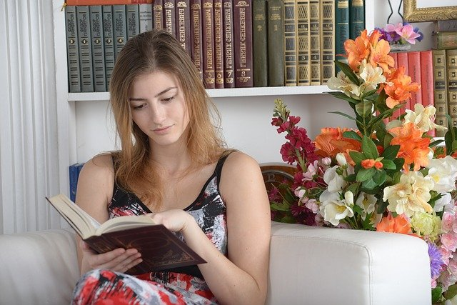 odpočinek u knihy