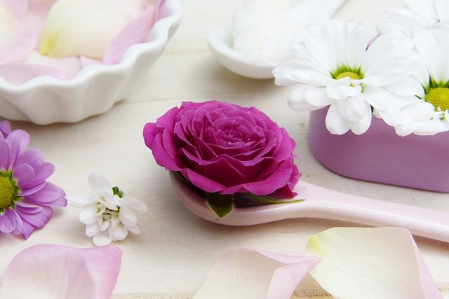 květ na lžíci